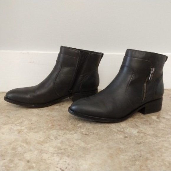 Like-New Crown Vintage Leather Boots